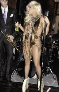 Lady-Gaga-iz-volos
